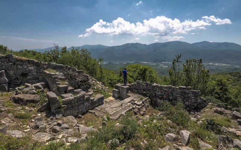 Μακεδονικός Τάφος & κάστρο Καλύβας - Θράκη 4