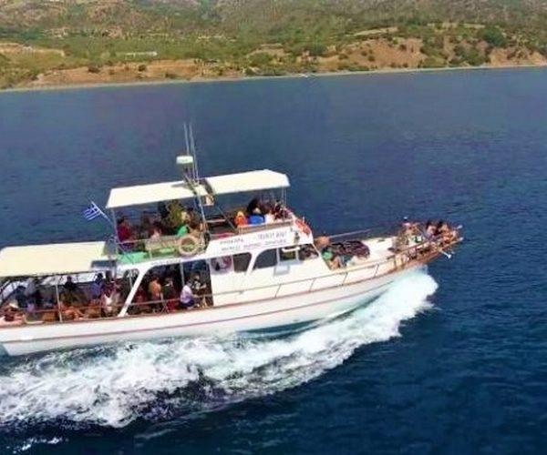 Κάηκε το μοναδικό περιηγητικό σκάφος της Σαμοθράκης