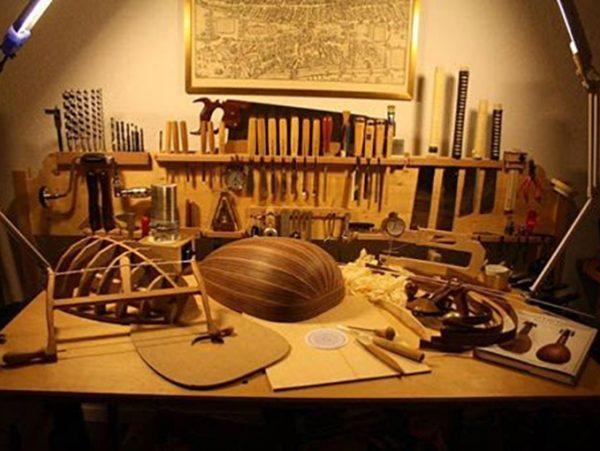 Εργαστήρι κατασκευής μουσικών οργάνων στο ΕΜΘ