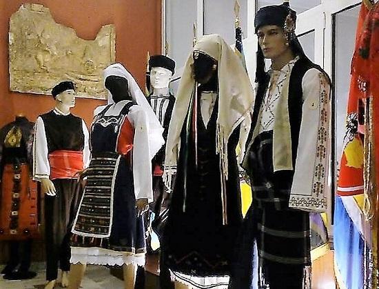Έκθεση παραδοσιακής φορεσιάς στη Λέσχη Αξιωματικών Ξάνθης