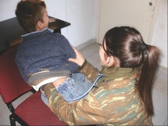 Στα Κόμαρα στρατιωτικό ιατρικό κλιμάκιο για δωρεάν εξετάσεις